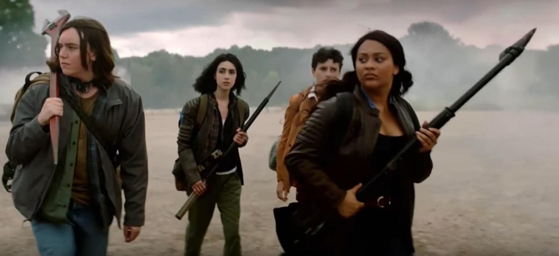 """The Walking Dead já passou da hora de acabar! """"World Beyond"""", nova série do AMC, transforma apocalipse zumbi em drama adolescente"""